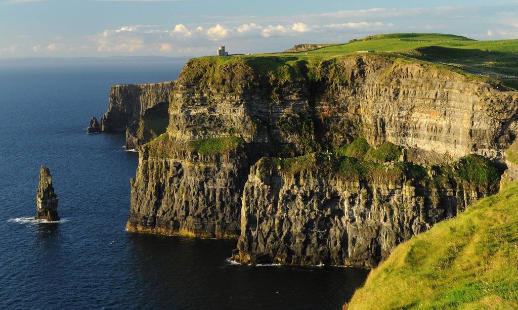 Intercâmbio de trabalho - Cliffs Of Mother - Clare - Foto de http://www.santoirish.com.br/
