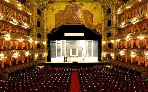 Vista interna do Teatro Colón - Fonte: https://poltronalivre.wordpress.com