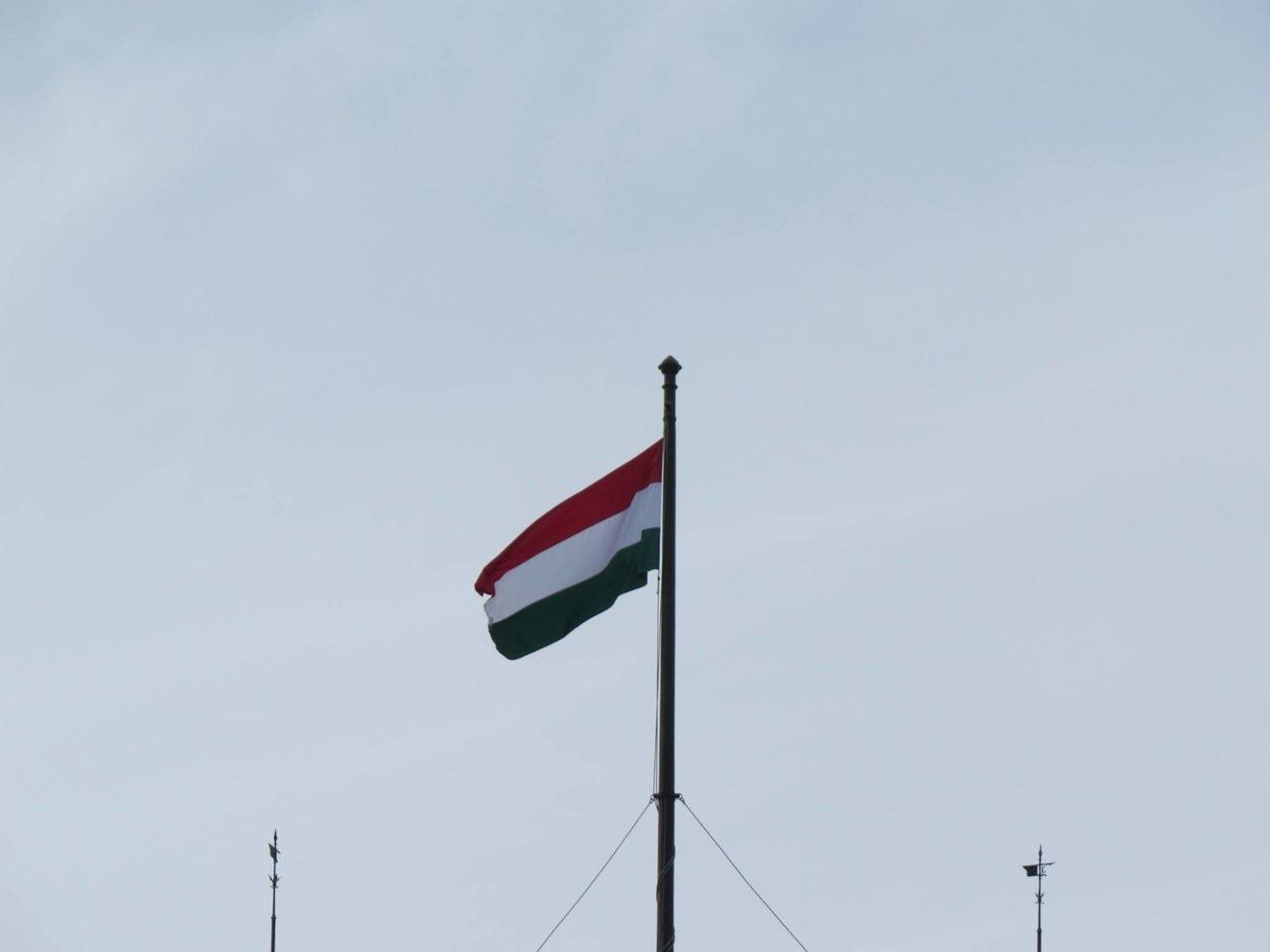 O que fazer em Budapeste: Bandeira da Hungria