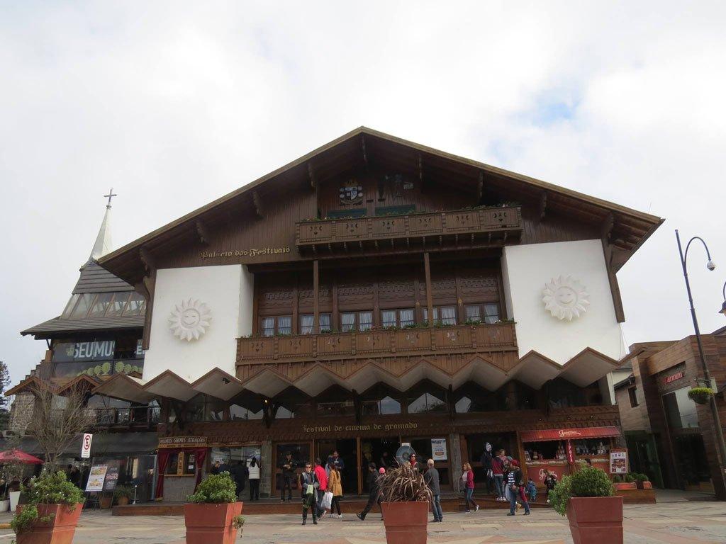 Palácio dos Festivais - Um dos pontos turísticos de Gramado