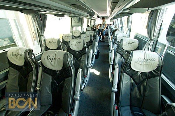 Interior do ônibus da cia ALSA (categoria supra). Foto: http://www.passaportebcn.com/