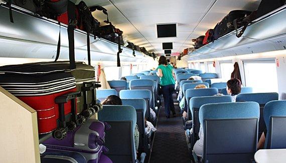 Interior de um trem europeu. Foto: http://www.viajenaviagem.com/