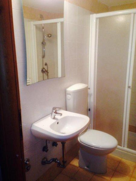 Banheiro do Hostel - Foto: HostelsClub