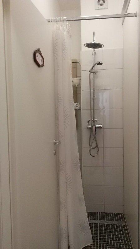 Banheiro do Mr. Charles Hostel