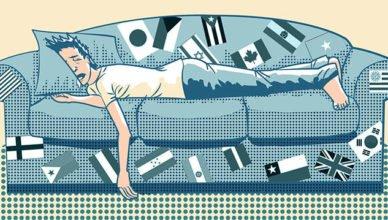 Pessoa dormindo no Sofá - Foto: thelifenomadic.com