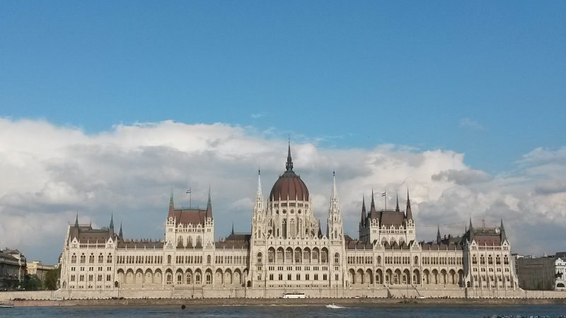 Parlamento visto do lado Buda.