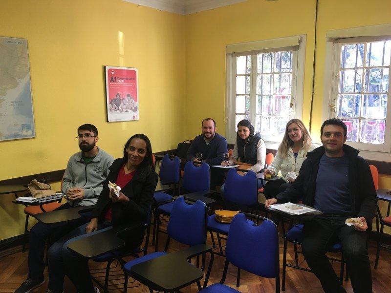 Sala de aula durante o Welcome Meeting | Como foi estudar espanhol no Chile