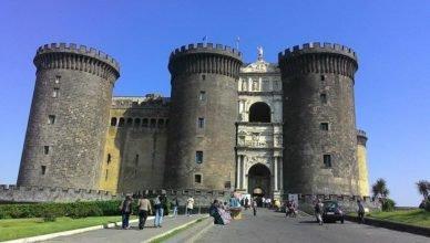 Castelo Nuovo - o que fazer em Nápoles.