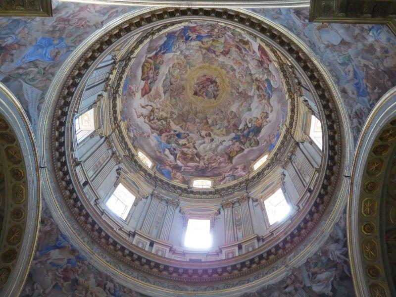 Interior da Catedral de Nápoles