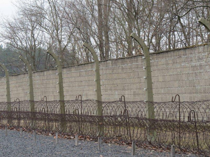 Interior do Campo de Concentração.