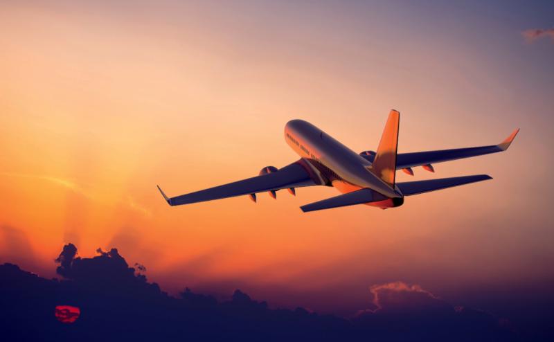 Avião decolando | Seguro Viagem, fazer ou não fazer?