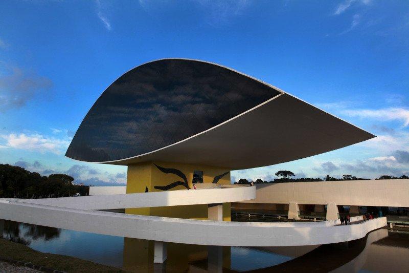 Museu Oscar Niemeyer. Crédito: Instituto Municipal de Turismo.