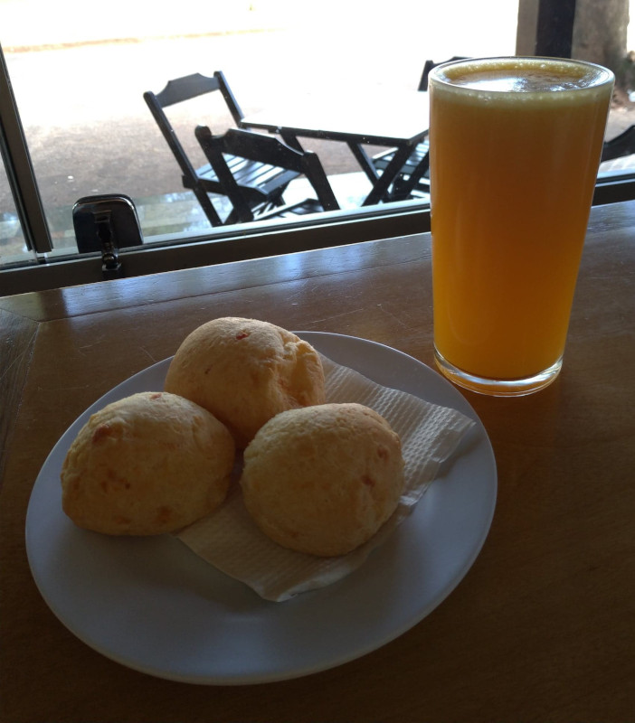 Café da manhã na padaria! | Quanto custa viajar para Foz do Iguaçu em 5 dias