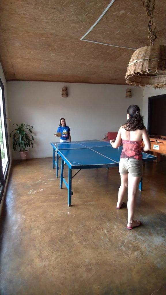 Arrasando no ping pong.