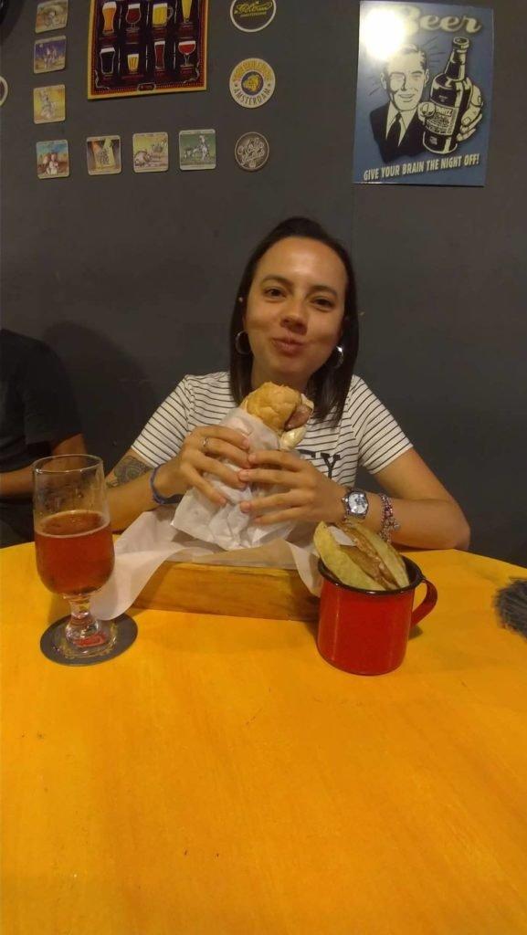 Sanduíche com batatas! | Onde comer em Ouro Preto