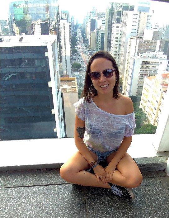 Avenida Paulista ao fundo.