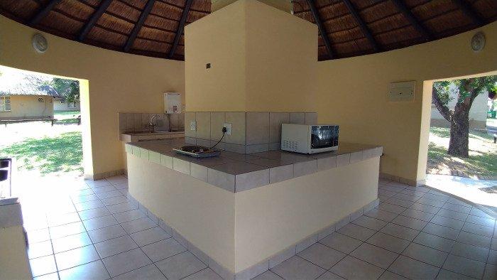 Cozinha comunitária do Pretoriuskop Rest Camp.