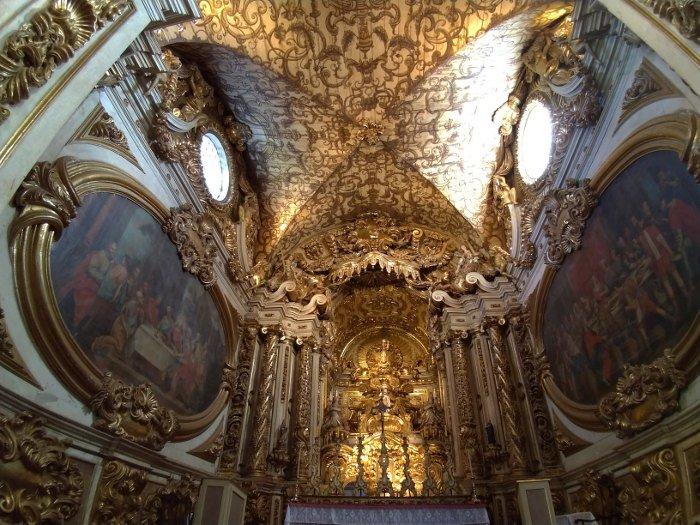 Interior da Matriz de Santo Antônio.